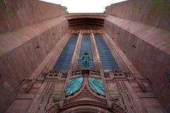 英国国教大教堂的门面在利物浦-英国 免版税库存照片