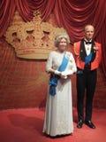 英国女王伊丽莎白二世&菲利普王子蜡雕象 库存图片