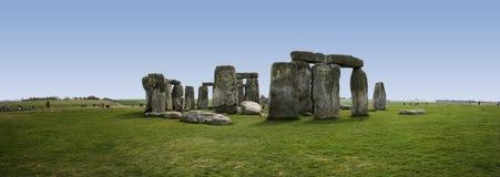 英国常设stonehenge向威尔特郡扔石头 免版税图库摄影