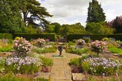 英国庭院通用夏天视图 图库摄影