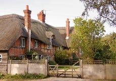 英国房子盖了传统村庄 免版税库存图片