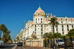 英国散步的豪华旅馆Negresco 免版税库存照片