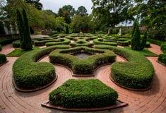 英国殖民地树篱庭院 免版税库存图片