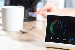 英国气体巧妙的米测量家庭能源消耗 库存照片