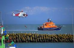 英国海岸警备队急救工作操作 库存图片
