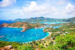 英国港口,安提瓜岛,在热带海岛的天堂海湾看法从雪莉高度的在加勒比海 库存图片