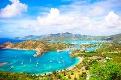 英国港口,安提瓜岛,在热带海岛的天堂海湾看法从雪莉高度的在加勒比海 库存照片