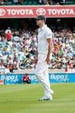 英国玩板球者凯文Pietersen走在SCG 库存图片