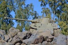 英国百夫长坦克被安装在纪念品在Katzrin 库存图片
