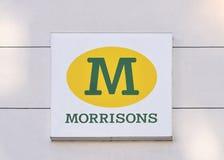 从英国的马礼逊超级市场在12月1日 免版税库存照片