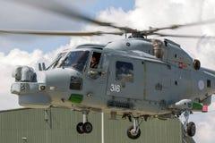 英国皇家海军海军航空兵部队韦斯特兰天猫座HMA 8个WG-13反水下战争直升机XZ726 库存图片