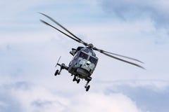 英国皇家海军海军航空兵部队AgustaWestland不可靠的HMA 2个AW-159反水下战争直升机ZZ381 库存图片