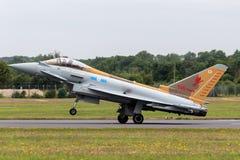 英国皇家空军皇家空军Eurofighter EF-2000台风FGR 从没有的4个ZK342 6分谴舰队根据在特别号衣的皇家空军Lossiemouth 免版税库存图片