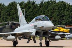 英国皇家空军皇家空军Eurofighter EF-2000台风T 从没有的3个ZK383 29R分谴舰队根据在皇家空军Coningsby 免版税库存照片