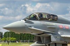英国皇家空军皇家空军Eurofighter EF-2000台风T 从没有的3个ZK383 29R分谴舰队根据在皇家空军Coningsby 库存照片