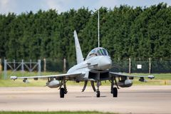 英国皇家空军皇家空军Eurofighter EF-2000台风T 从没有的3个ZK383 29R分谴舰队根据在皇家空军Coningsby 库存图片
