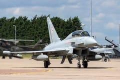 英国皇家空军皇家空军Eurofighter EF-2000台风T 从没有的3个ZK383 29R分谴舰队根据在皇家空军Coningsby 图库摄影