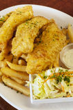 英国筹码鱼快餐桌传统木 图库摄影