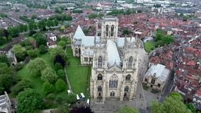 英国约克夏约克英国哥特式样式大教堂Metropolitical教会圣彼得或约克座堂 股票视频