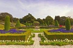 英国规则式园林 免版税库存照片