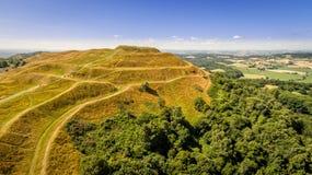 英国阵营铁器时代小山堡垒, malvern小山 免版税库存照片