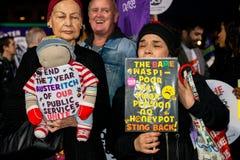 英国需要薪水上升-现在结束盖帽抗议游行 图库摄影