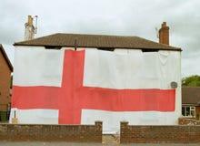 英国-世界杯2018年-人用旗子盖整个议院 免版税库存图片