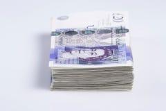 英国货币 堆英国20磅钞票 免版税库存照片