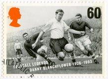 英国- 1996年:展示罗伯特丹尼斯丹尼Blanchflower 1926-1993,系列橄榄球传奇 库存图片