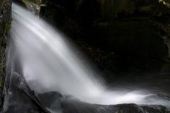 英国lumsdale谷瀑布 免版税图库摄影