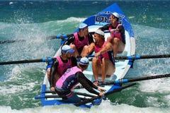 英属黄金海岸的昆士兰澳大利亚海浪划船者 免版税库存图片