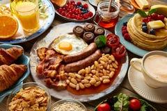 英语充分早餐的自助餐大陆和 免版税库存照片