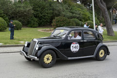 1000英里,蓝旗亚Aprilia Berlina 1350 (1939), SCOTTO恩里科 图库摄影