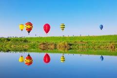 英雄传奇国际气球节日 库存图片