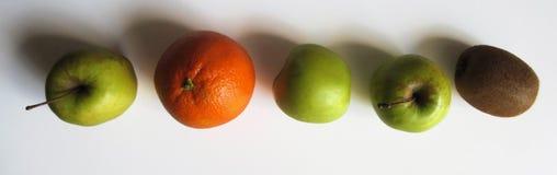 苹果、桔子和猕猴桃 免版税库存照片