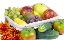 苹果、梨和葡萄开胃秋天结果实 免版税库存图片