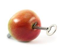 苹果作为挂锁 图库摄影