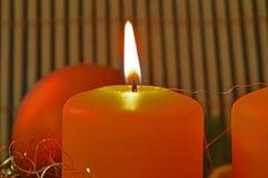 苹果作为烧伤蜡烛烛台使用了 免版税图库摄影