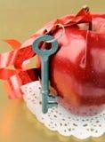 苹果关键红色成熟 免版税库存照片