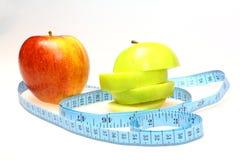 苹果吃绿色健康红色 免版税库存照片