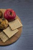 苹果和松饼 免版税库存图片