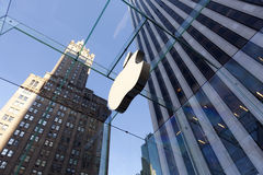 苹果城市多维数据集玻璃新的存储约克 免版税库存照片