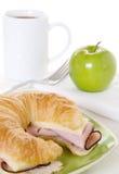 苹果干酪新月形面包绿色火腿 免版税库存照片