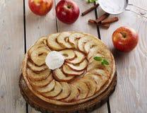苹果开放饼 免版税库存照片
