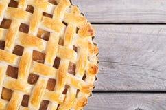 苹果新近地被烘烤的饼 免版税库存照片