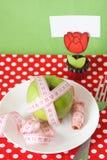 苹果早餐看板卡晒衣夹绿色 库存图片