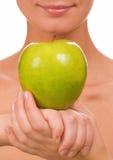 苹果水多女孩的绿色 库存照片