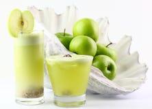 苹果汁用干酸李子 图库摄影