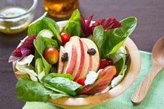 苹果沙拉菠菜 库存图片