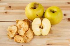 苹果烘干了新鲜 图库摄影